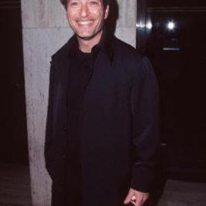 Howie Mandel at event of From the Earth to the Moon 1998