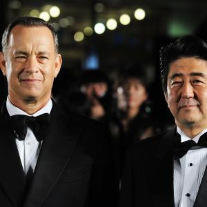 Tom Hanks, Shinzo Abe