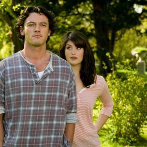 Still of Luke Evans and Gemma Arterton in Tamara Drewe 2010