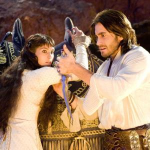 Still of Jake Gyllenhaal and Gemma Arterton in Persijos princas laiko smiltys 2010