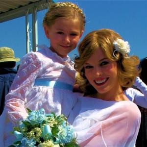 Madison(Mindy) and Milla Jovovich(Sue Ann) on set of Dirty Girl