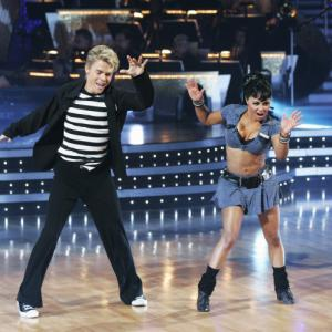 Still of Lil Kim and Derek Hough in Dancing with the Stars 2005