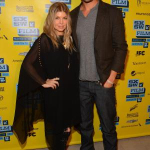 Fergie and Josh Duhamel at event of Scenic Route (2013)