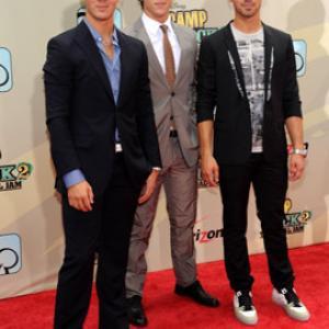 Kevin Jonas, Joe Jonas and Nick Jonas at event of Camp Rock 2: The Final Jam (2010)