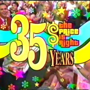 Mark Sinacori paging at The Price is Right and ending up in the show logo on the episode that aired on 6/6/07 (CBS, 2007)
