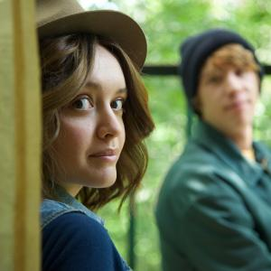 Still of Thomas Mann and Olivia Cooke in As ir Erlas ir mirstancioji 2015
