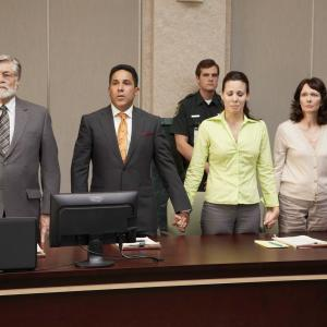 Still of Oscar Nuez and Virginia Welch in Prosecuting Casey Anthony 2013