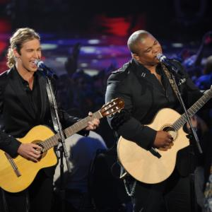 Still of Casey James and Michael Lynche in American Idol: The Search for a Superstar (2002)