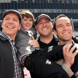 Sean Hayes, Chris Diamantopoulos, Will Sasso and Max Charles at event of Trys veplos (2012)