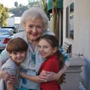 Hot In Cleveland, Betty White, Max Charles, Caitlin Carmichael