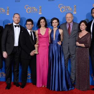 Joshua Jackson, Maura Tierney, John Doman, Jeffrey Reiner, Victor Williams, Darren Goldstein, Sarah Treem and Julia Goldani Telles at event of 72nd Golden Globe Awards (2015)