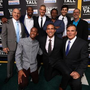 Jim Caviezel, Thomas Carter, David Zelon, Alexander Ludwig, Jessie Usher, Ser'Darius Blain and Matthew Daddario at event of When the Game Stands Tall (2014)