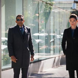 Still of Hill Harper and Jennifer Carpenter in Limitless 2015