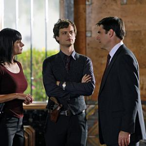 Still of Thomas Gibson Paget Brewster and Matthew Gray Gubler in Nusikalstami protai 2005