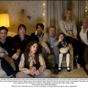 Still of Robert De Niro, Isabella Rossellini, Diane Ladd, Elisabeth Röhm, Édgar Ramírez, Jennifer Lawrence, Dascha Polanco, Gia Gadsby and Tomas Elizondo in Joy (2015)