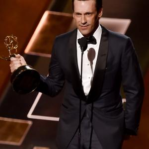 Jon Hamm at event of The 67th Primetime Emmy Awards (2015)