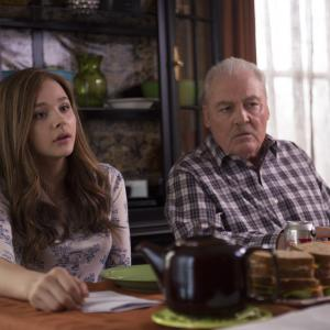 Still of Stacy Keach and Chlo Grace Moretz in Jei pasilikciau 2014