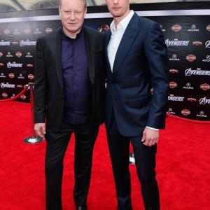 Stellan Skarsgård and Alexander Skarsgård at event of Kersytojai (2012)