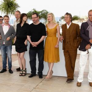 Kirsten Dunst, John Hurt, Charlotte Gainsbourg, Udo Kier, Stellan Skarsgård, Louise Vesth and Brady Corbet at event of Melancholija (2011)
