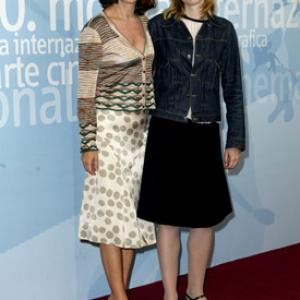 Nathalie Baye and Isabelle Carré at event of Les sentiments (2003)