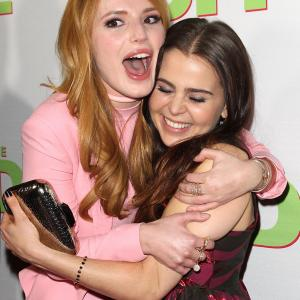 Mae Whitman and Bella Thorne at event of The DUFF (2015)