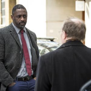 Still of Dermot Crowley and Idris Elba in Luther (2010)