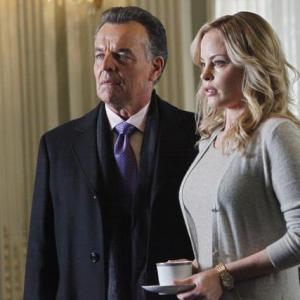 Still of Chandra West and Ray Wise in Kastlas 2009