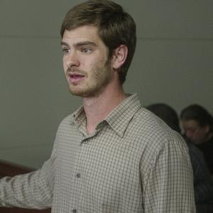Still of Andrew Garfield and Noah Lomax in 99 Homes (2014)
