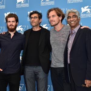 Ashok Amritraj, Michael Shannon, Ramin Bahrani and Andrew Garfield at event of 99 Homes (2014)