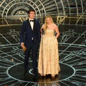 Chloë Grace Moretz and Ansel Elgort at event of The Oscars (2015)