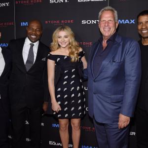 Denzel Washington, Steve Tisch, Jason Blumenthal, Antoine Fuqua and Chloë Grace Moretz at event of Ekvalaizeris (2014)