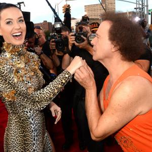 Richard Simmons and Katy Perry at event of 2013 MTV Video Music Awards (2013)