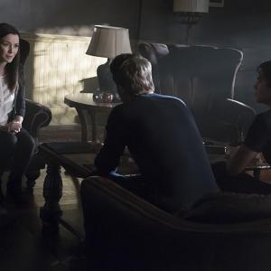 Still of Ian Somerhalder, Paul Wesley and Annie Wersching in Vampyro dienorasciai (2009)