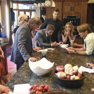 Still of Don Johnson, Amber Valletta, Scott Michael Foster, Chace Crawford and Rebecca Rittenhouse in Blood & Oil (2015)