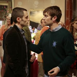 Still of Penn Badgley and Chace Crawford in Liezuvautoja: New York, I Love You XOXO (2012)
