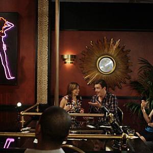Still of Neil Patrick Harris Alyson Hannigan Jason Segel and Cobie Smulders in Kaip as susipazinau su jusu mama 2005