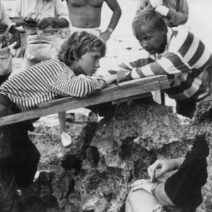 Still of Gabriel Byrne and Stian Smestad in Haakon Haakonsen 1990