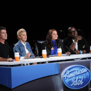 Still of Ellen DeGeneres, Simon Cowell, Randy Jackson and Kara DioGuardi in American Idol: The Search for a Superstar (2002)