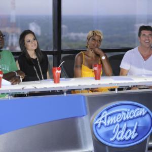 Still of Mary J. Blige, Simon Cowell, Randy Jackson and Kara DioGuardi in American Idol: The Search for a Superstar (2002)