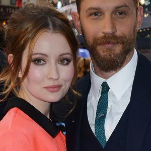 Emily Browning and Tom Hardy at event of Legenda 2015