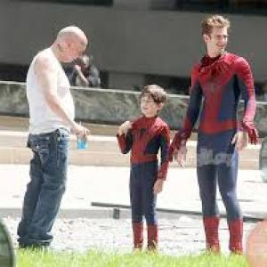 Jorge Vega, Andrew Garfield and Paul Giamatti on the set of The Amazing Spider-Man 2