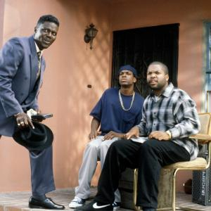 Still of Chris Tucker Ice Cube and Bernie Mac in Friday 1995