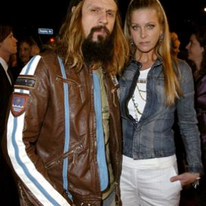 Sheri Moon Zombie and Rob Zombie at event of Nuodemiu miestas (2005)