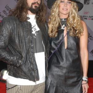 Sheri Moon Zombie and Rob Zombie at event of MTV Video Music Awards 2003 (2003)