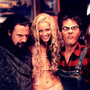 Sheri Moon Zombie, Rainn Wilson and Rob Zombie in House of 1000 Corpses (2003)