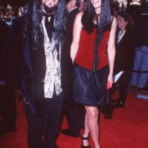 Sheri Moon Zombie and Rob Zombie at event of Spawn (1997)