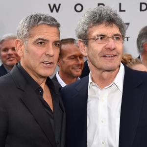 George Clooney and Alan Horn at event of Rytojaus zeme (2015)