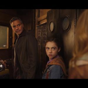 Still of George Clooney and Raffey Cassidy in Rytojaus zeme (2015)