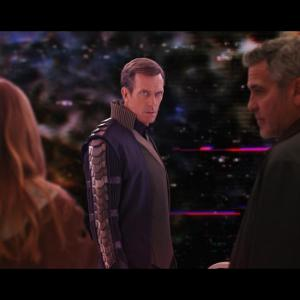Still of George Clooney and Hugh Laurie in Rytojaus zeme (2015)