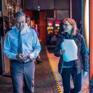 Still of George Clooney and Jodie Foster in Money Monster (2016)